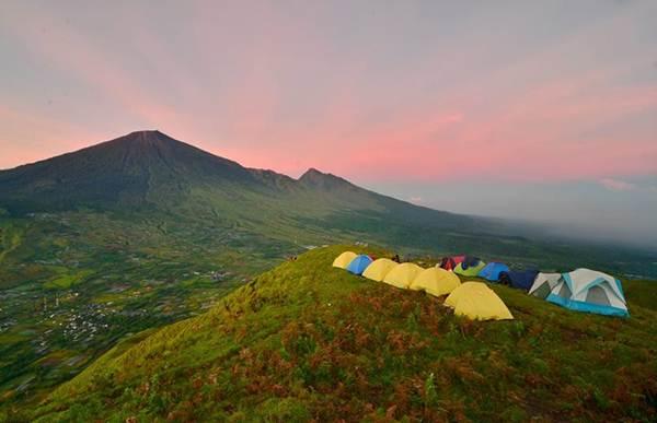 camping on pergasingan hll sembalun