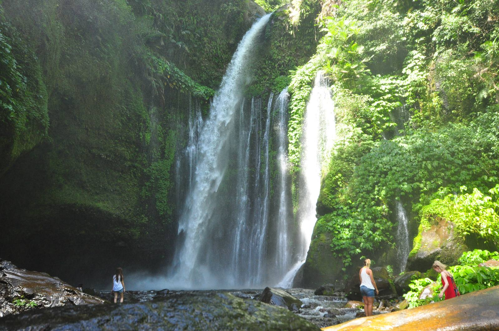 senaru waterfall