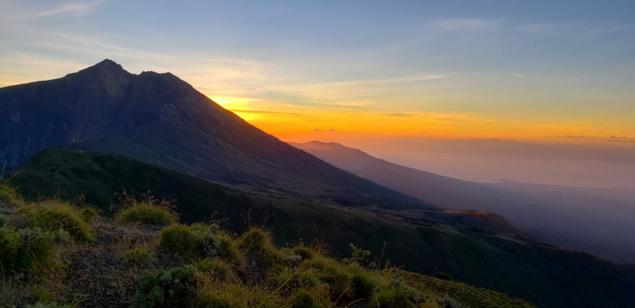 Sunset Rinjani