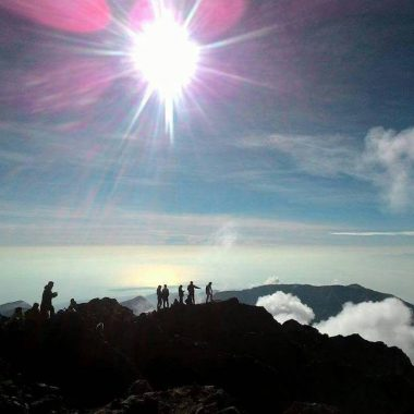 2D-1N Mount Rinjani Trek Summit