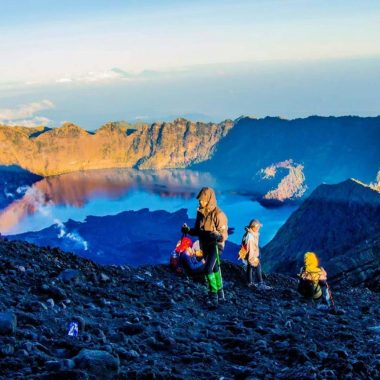 3D-2N Trekking Rinjani Summit and Lake