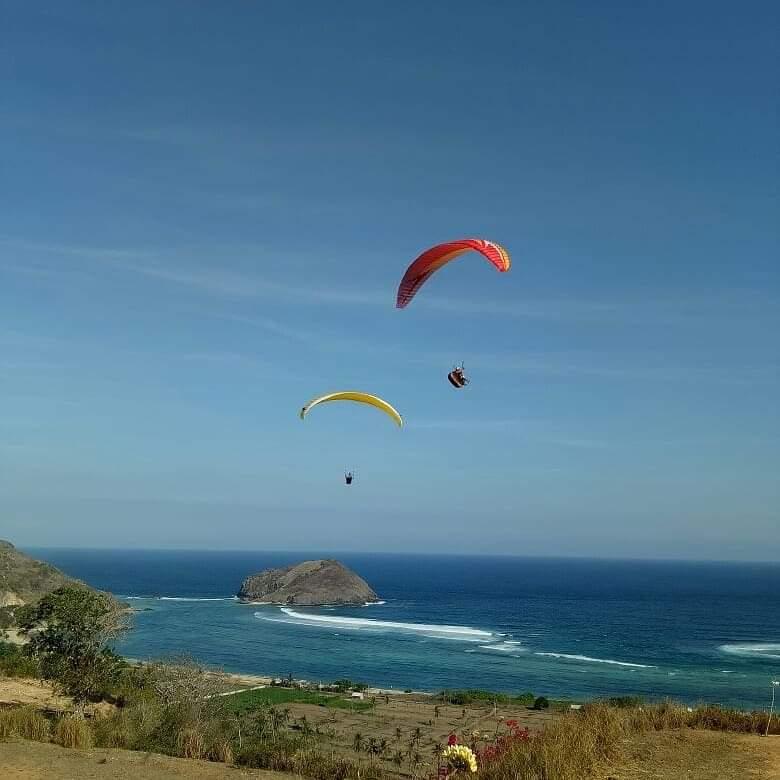 lombok paragliding
