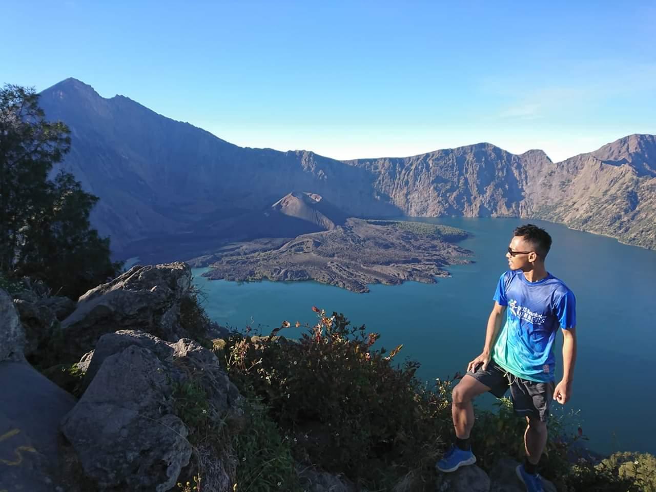 d n hiking rinjani senaru crater rim wonder lombok green nature